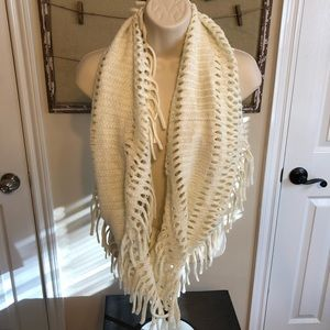 Steven madden ivory and gold knit infinity scarf